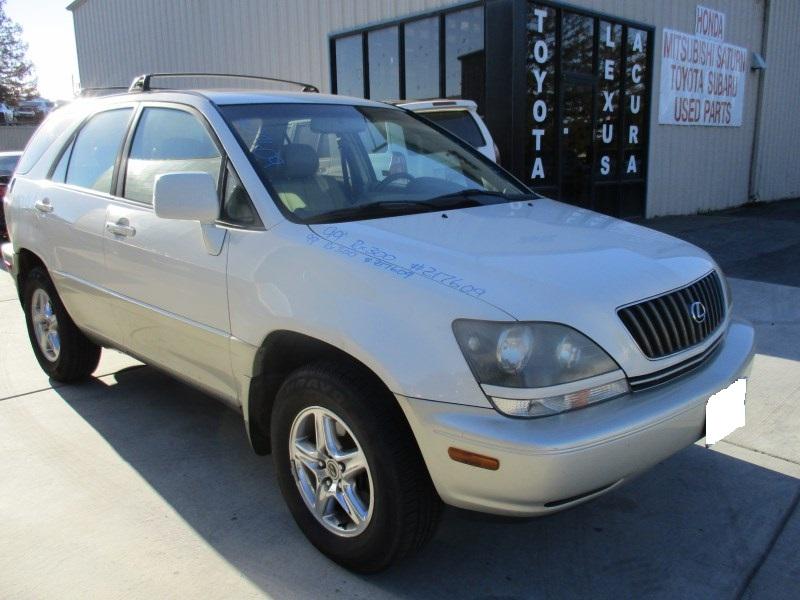 ... 1999 LEXUS RX300 PEARL WHITE 3.0L AT 4WD Z17609