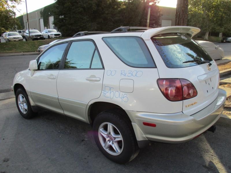 Charming ... 2000 LEXUS RX300 PEARL WHITE 3.0L AT 4WD Z15045